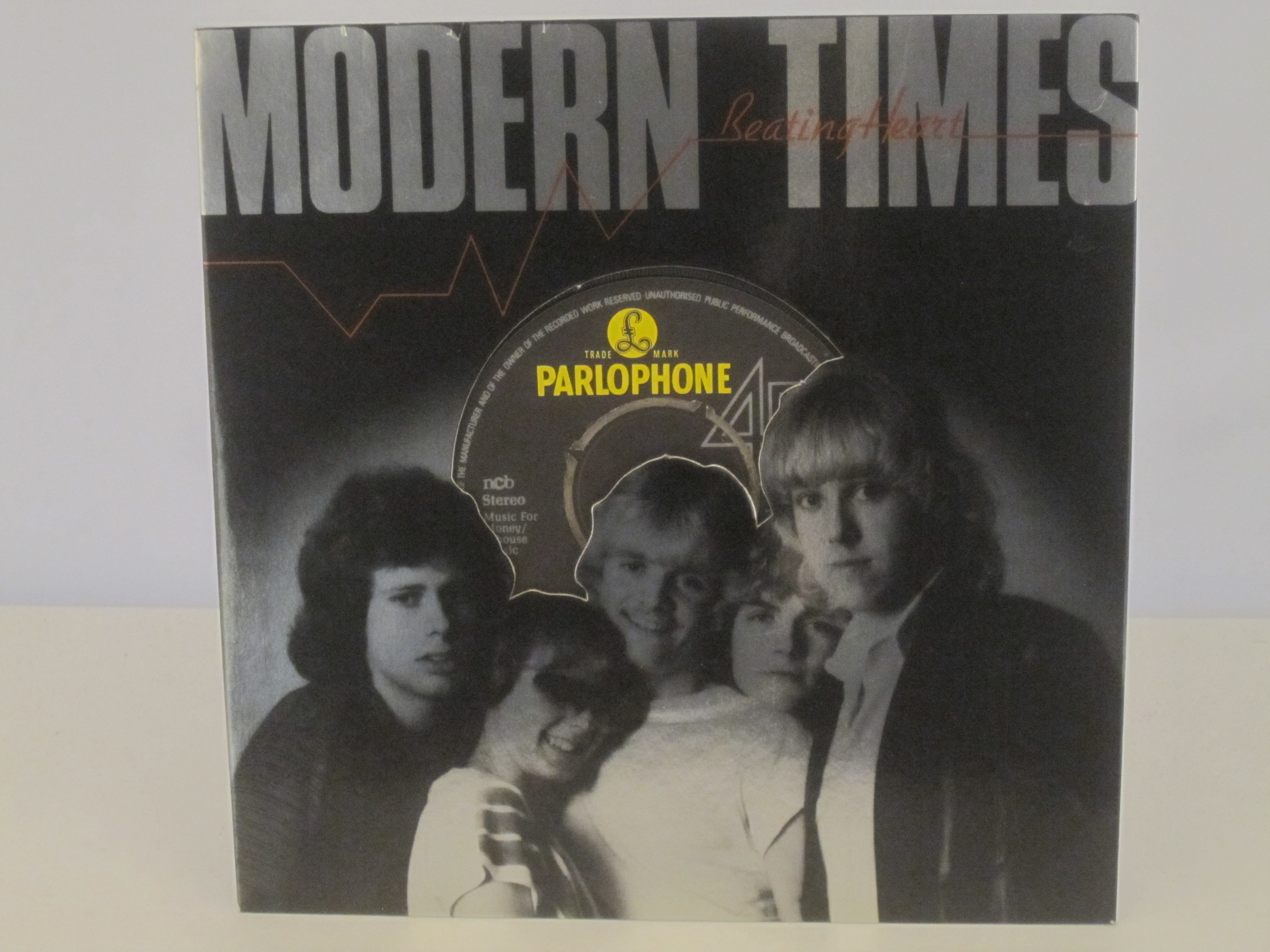 GYLLENE TIDER (MODERN TIMES) : Beating heart / To play with fire