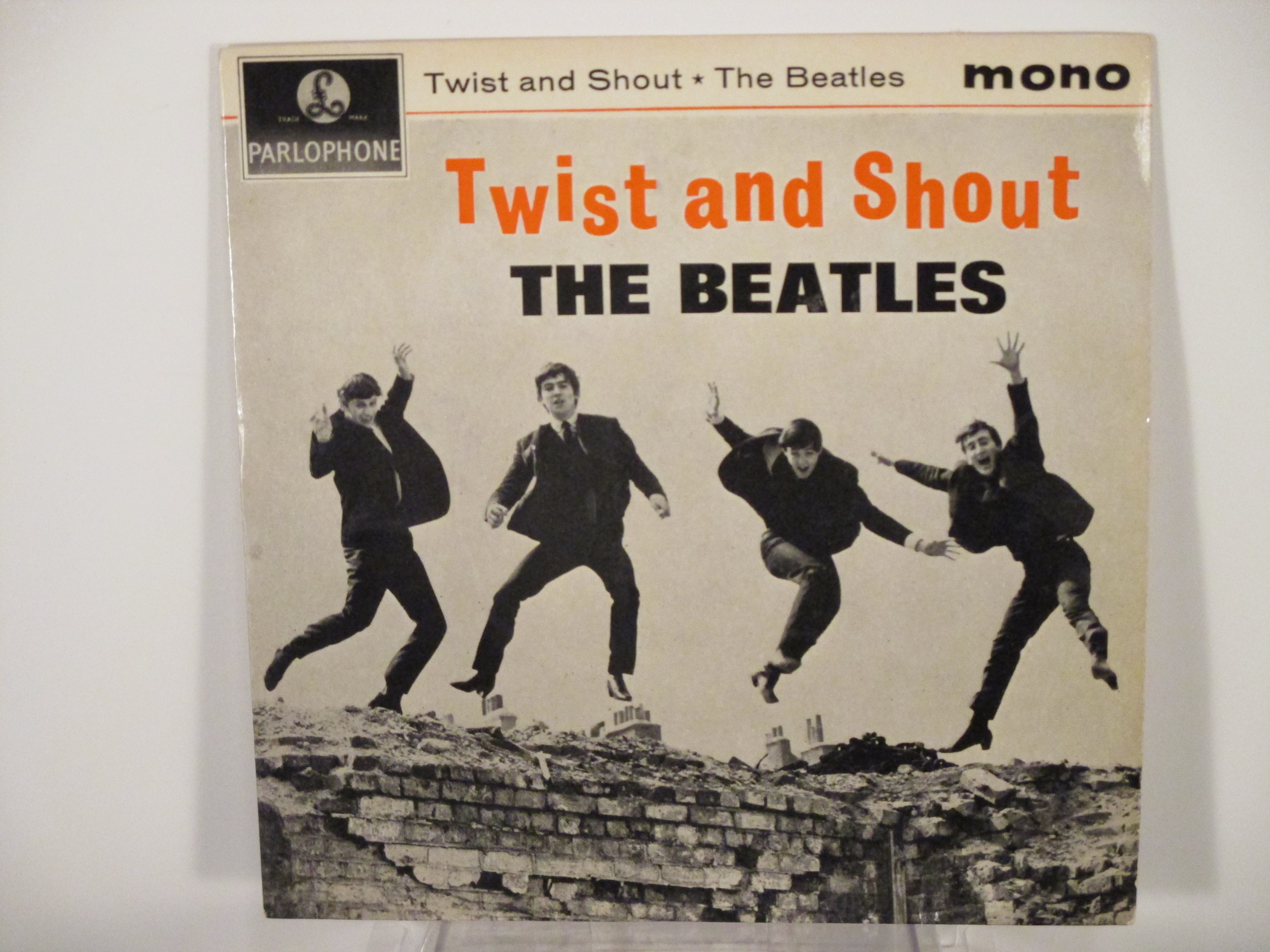 """BEATLES   The   : (EP) """"Twist and shout""""   Title / A taste of honey / Do you want to know a secret / There's a place"""