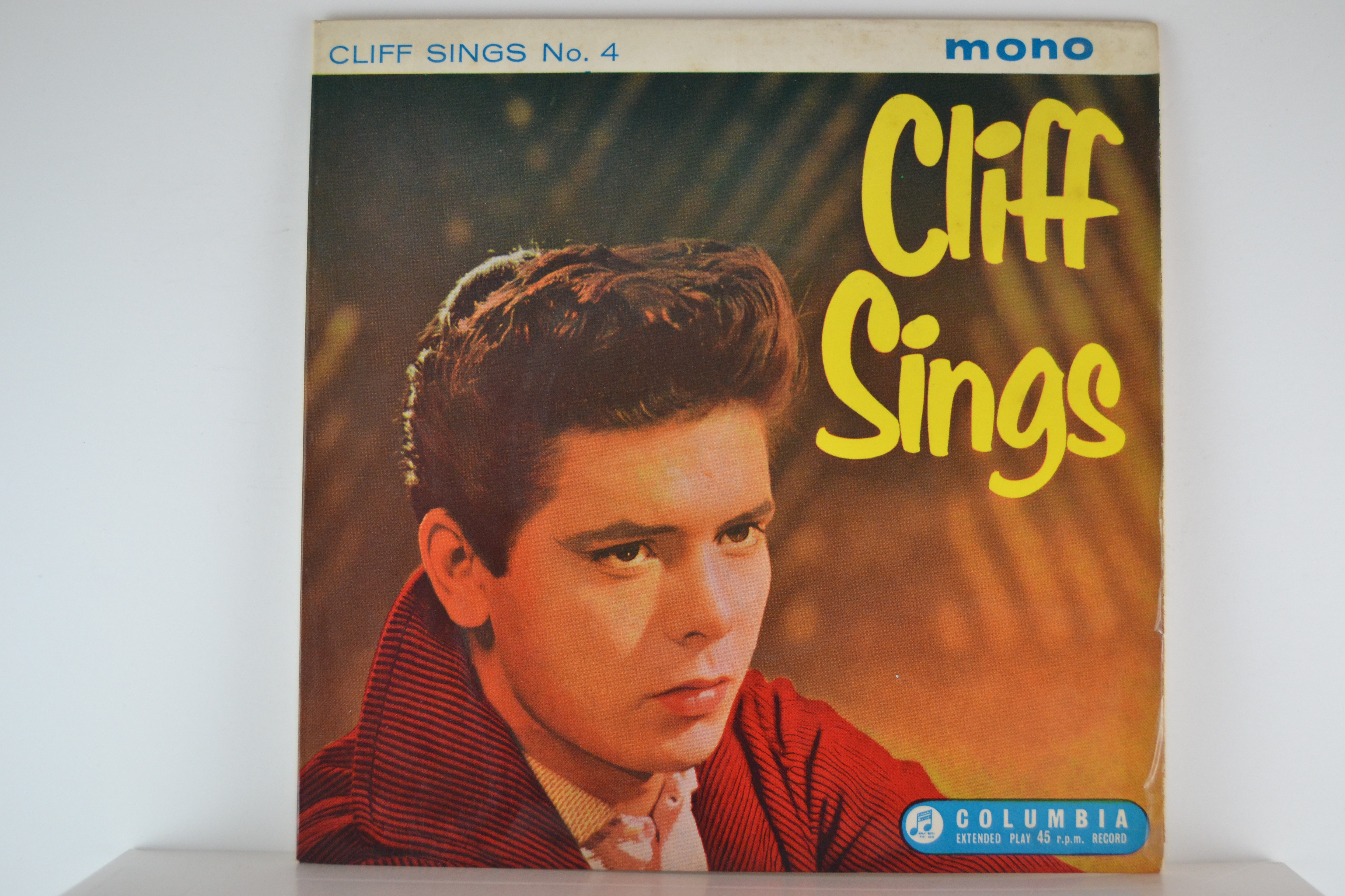 "CLIFF RICHARD : (EP) ""Cliff sings. No.4"" : I don't know why / Little things mean a lot / Somewhere along the way / That's my desire"