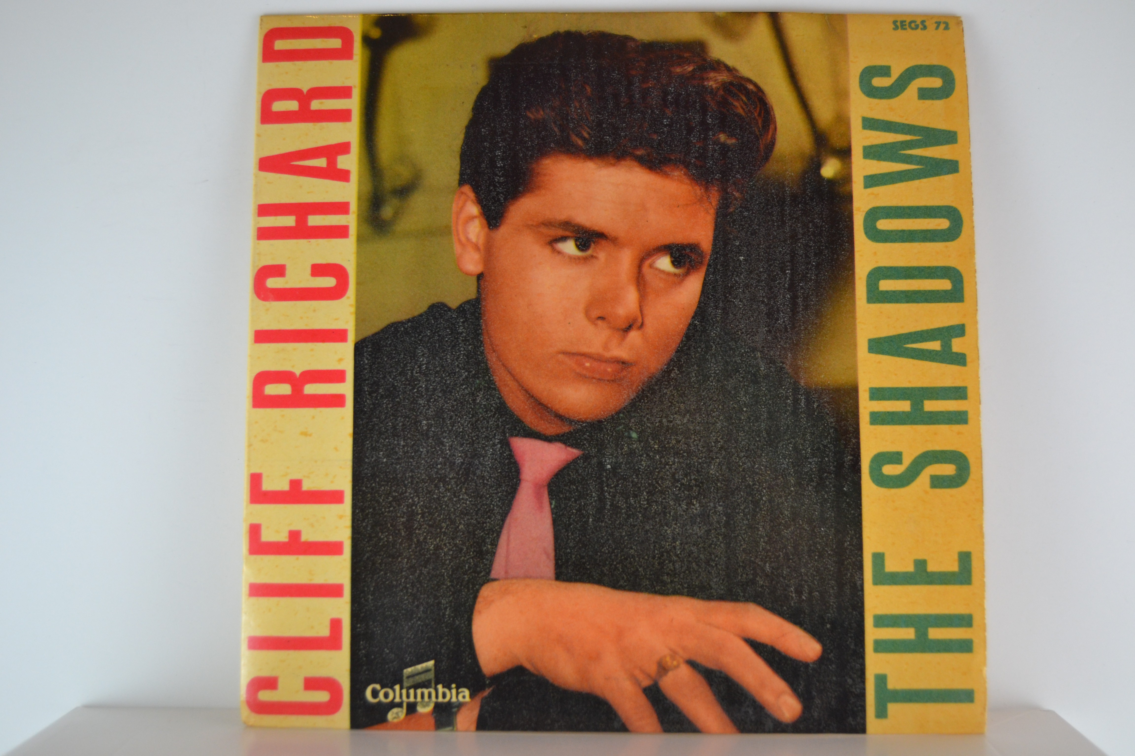 CLIFF RICHARD : (EP) Nine times out of ten / Thinking of our love / SHADOWS The : Apache / Quatermasster's stores