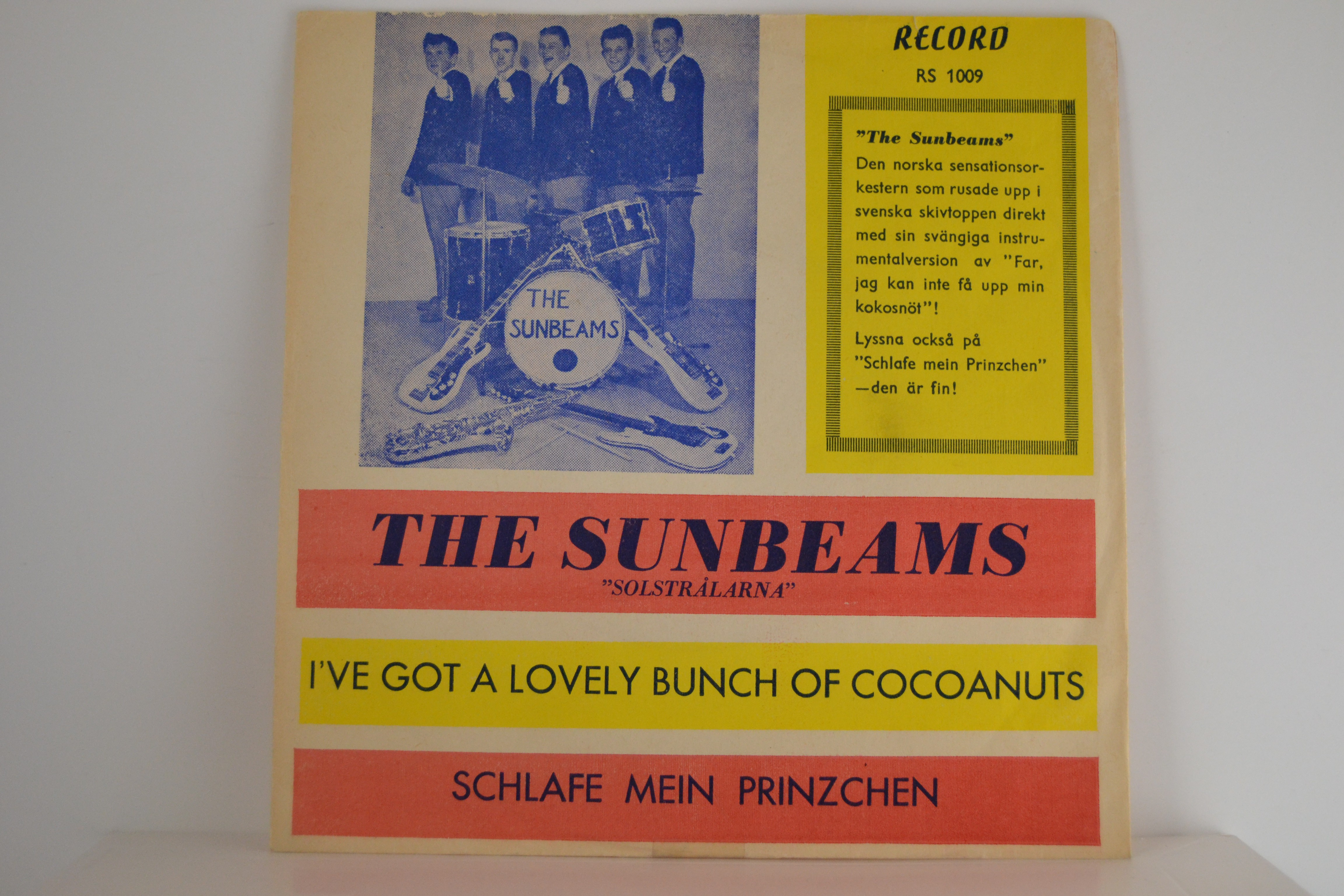 SUNBEAMS : I've got a lovely bunch of cocoanuts / Schlafe mein prinzchen