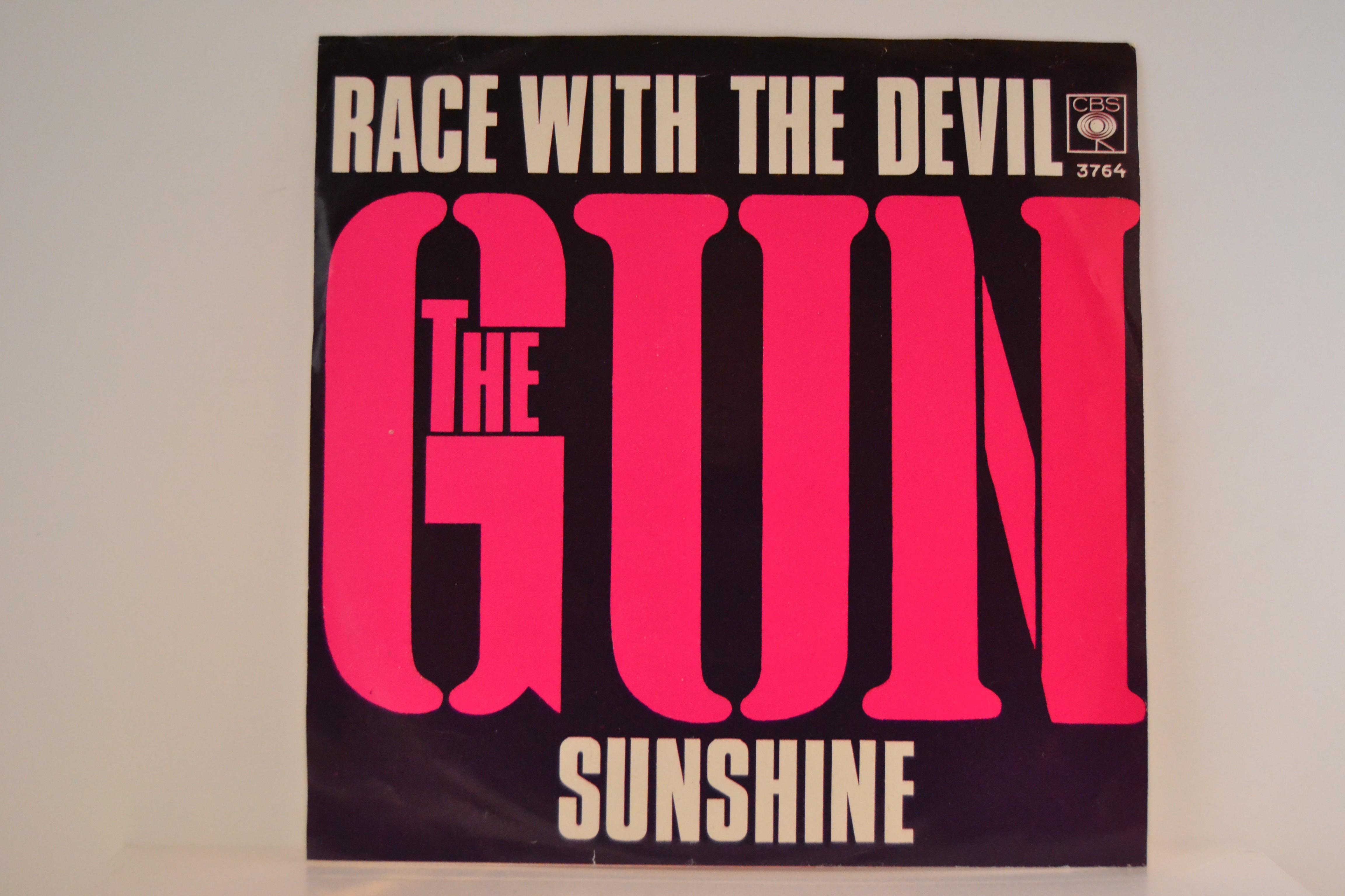GUN : Race with the devil / Sunshine