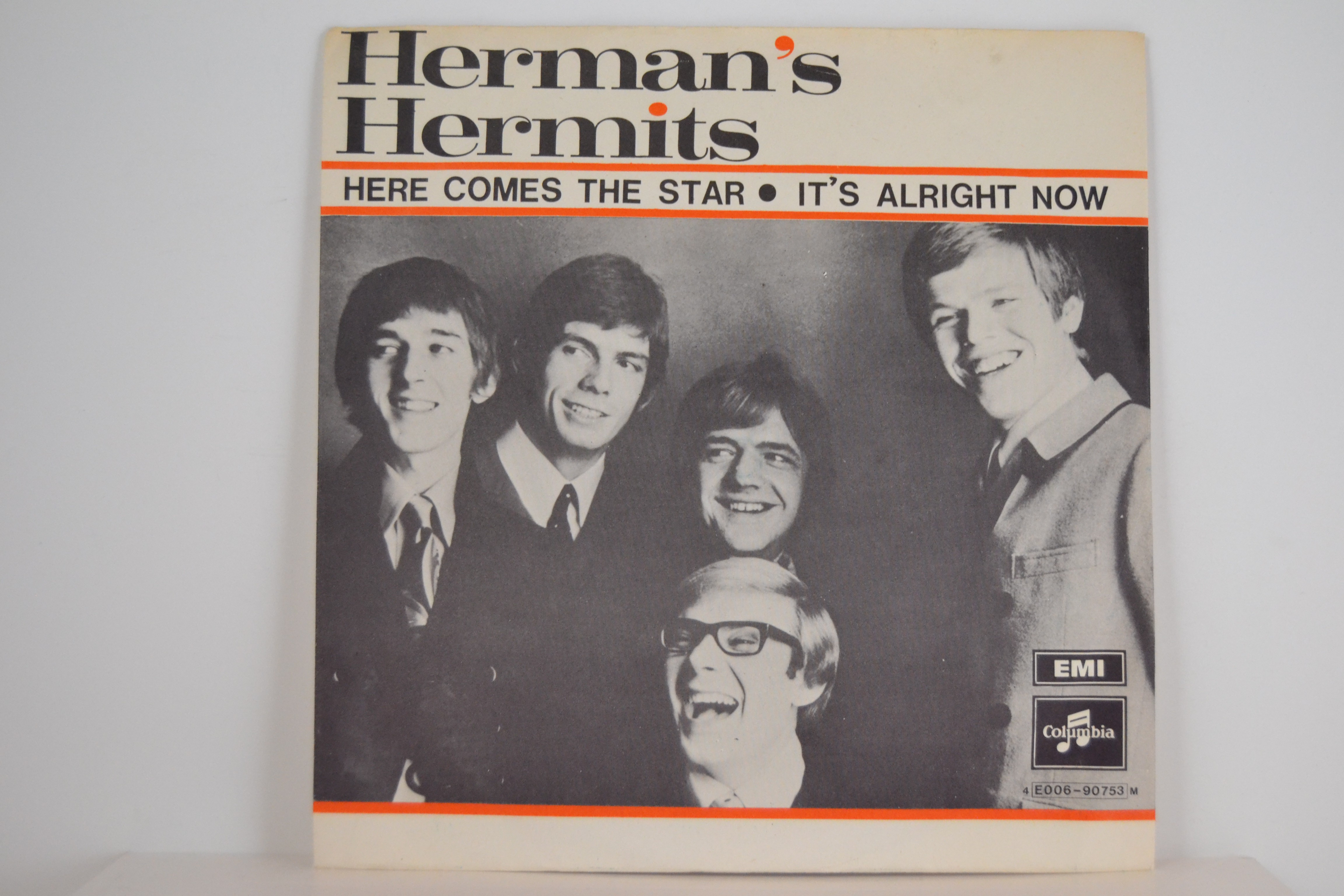 HERMAN'S HERMITS : It's alright now / Here coms the star