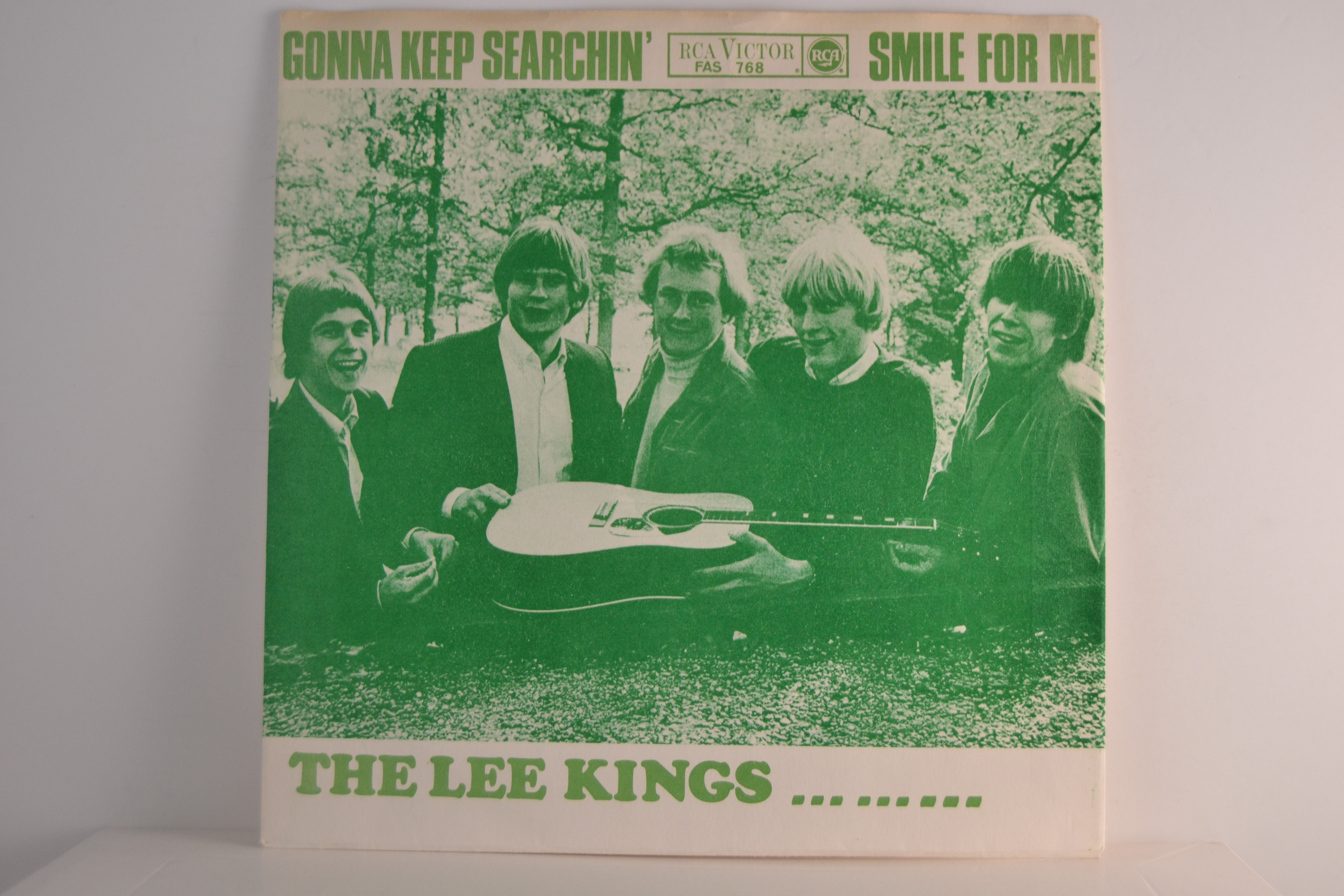 LEE KINGS : Gonna keep searchin' / Smile for me