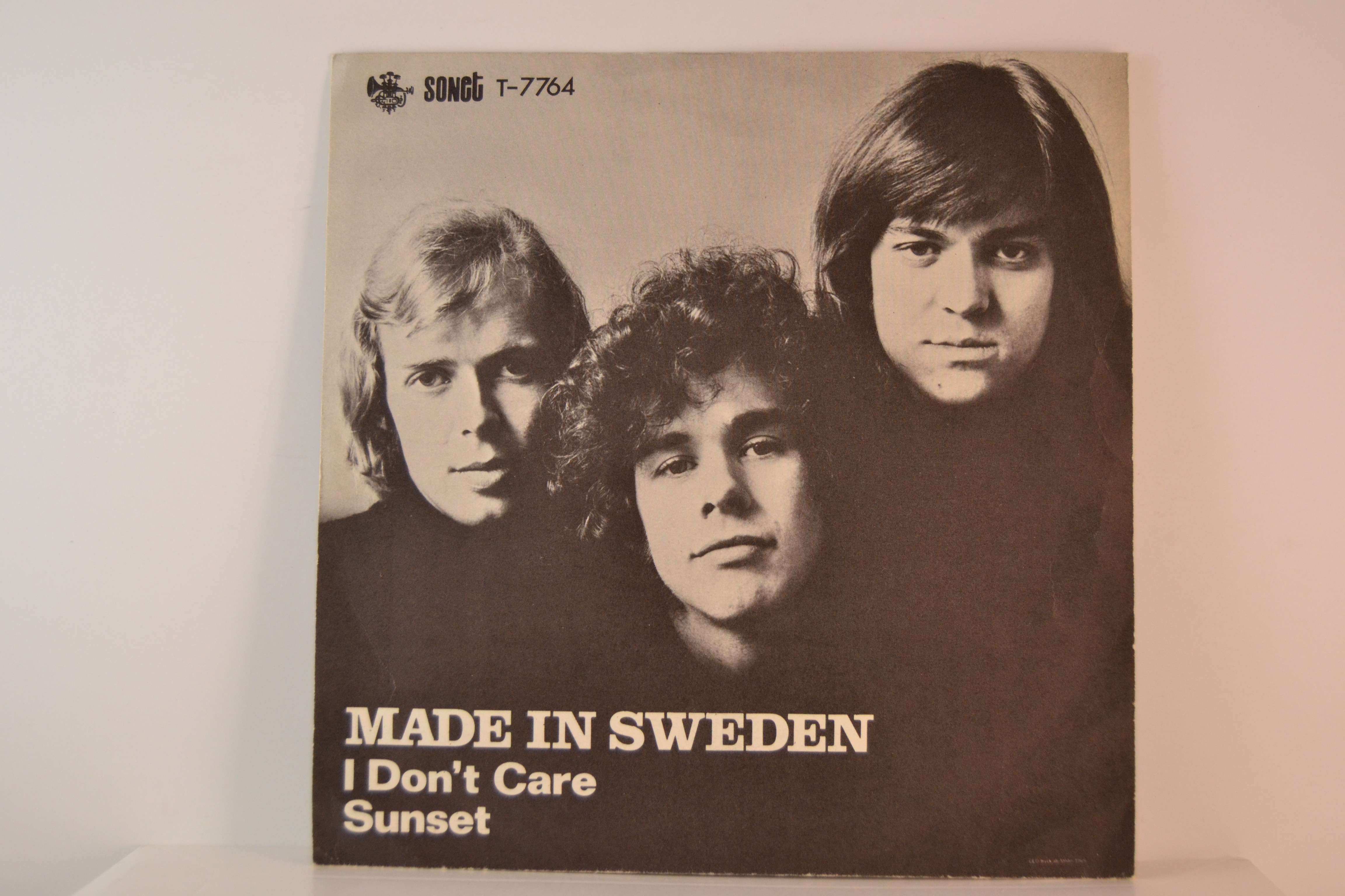 MADE IN SWEDEN : I don't care / Sunset