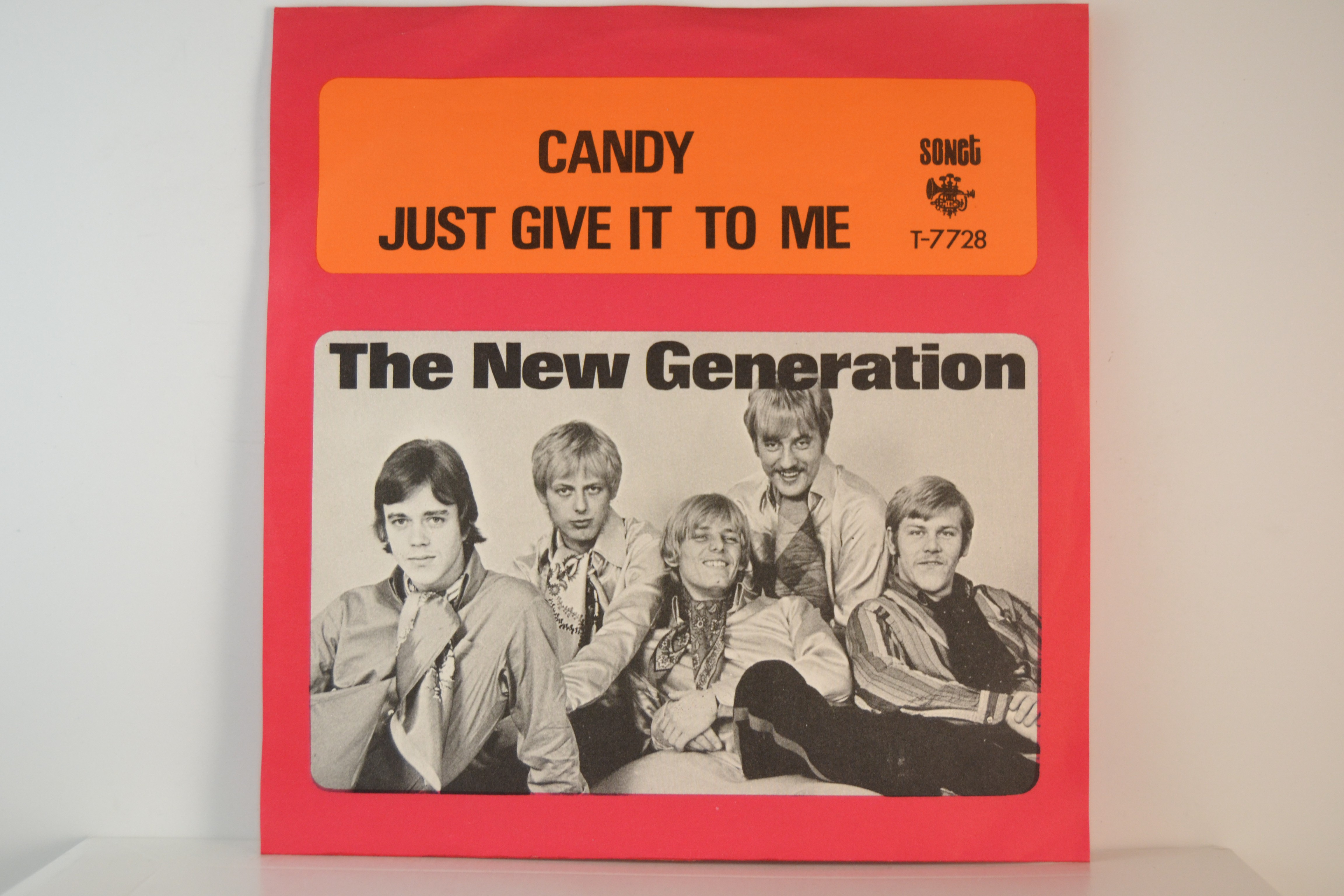NEW GENERATION : Just give it to me / Candy