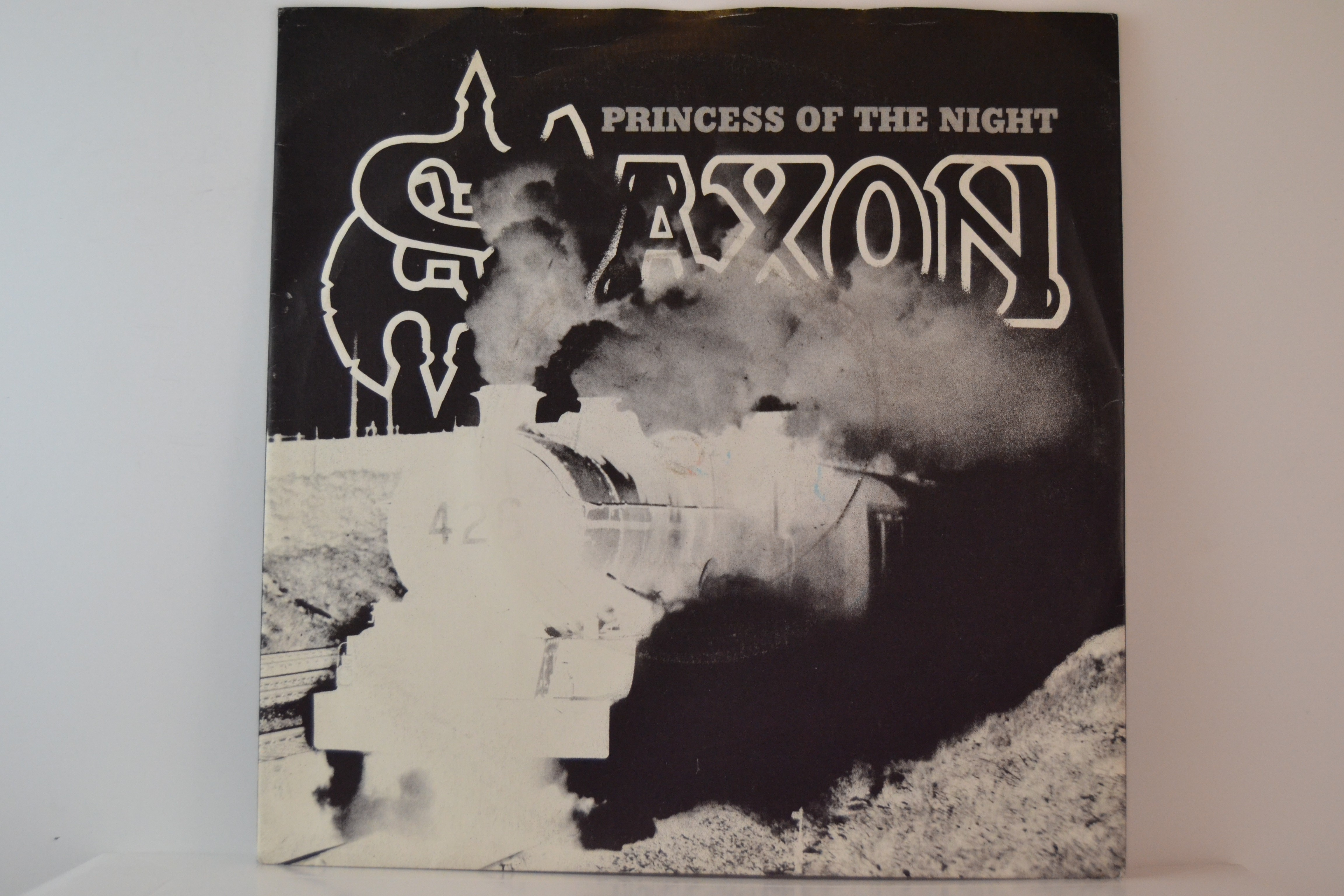 SAXON : Princess of the night / Fire in the sky