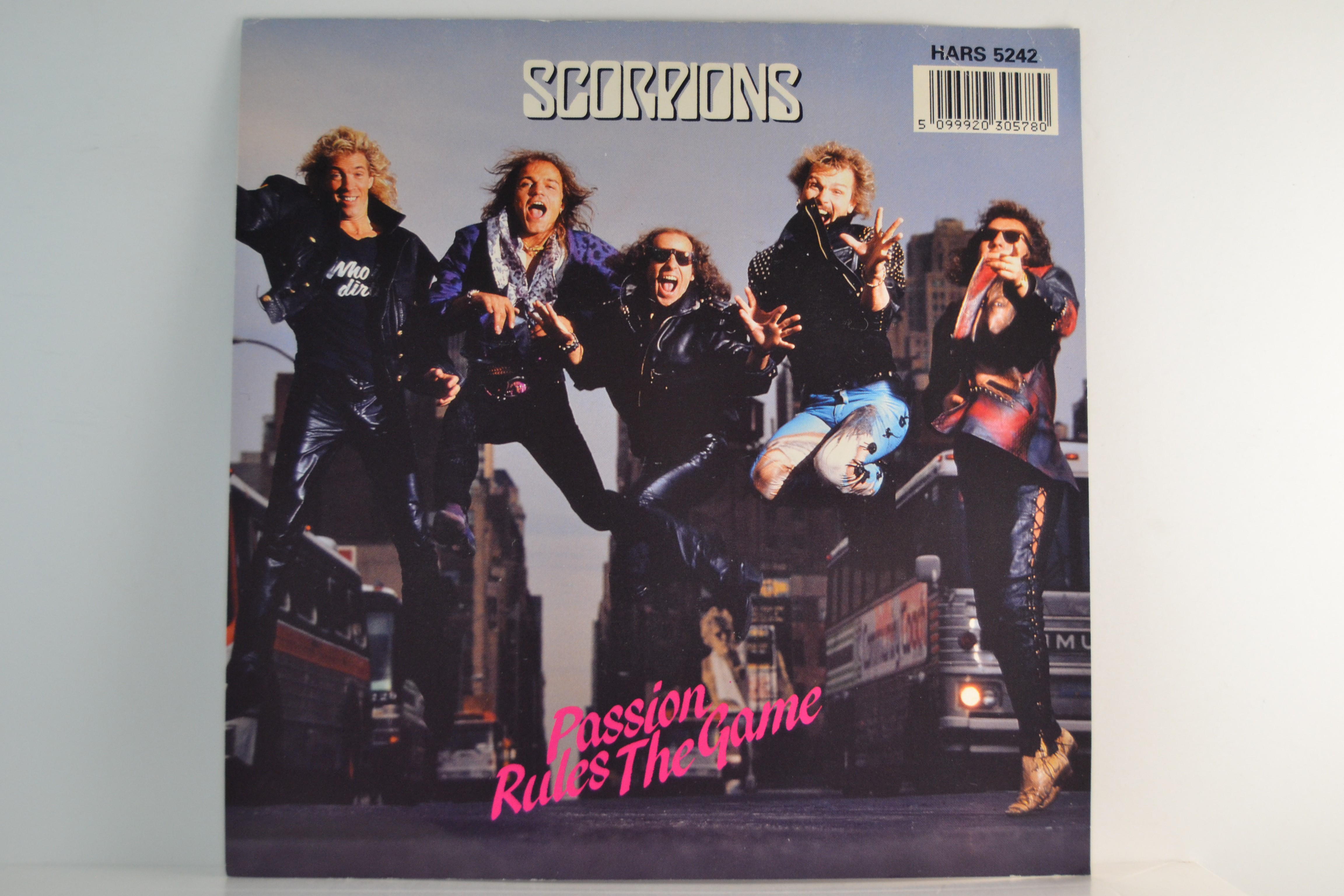 SCORPIONS : Passion rules the game / Every minute every day