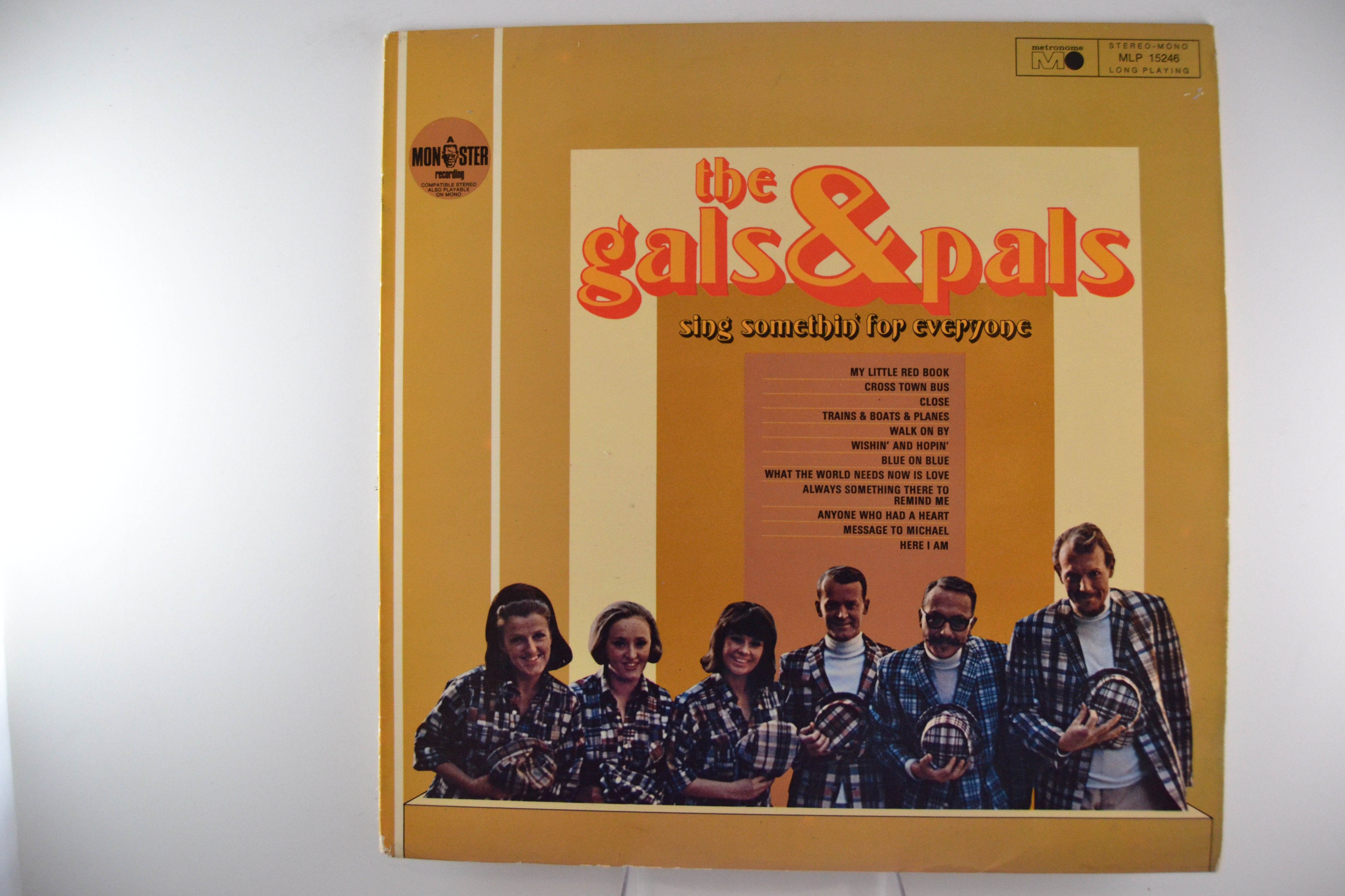 """GALS & PALS : """"Sing somethin' for everyone"""""""