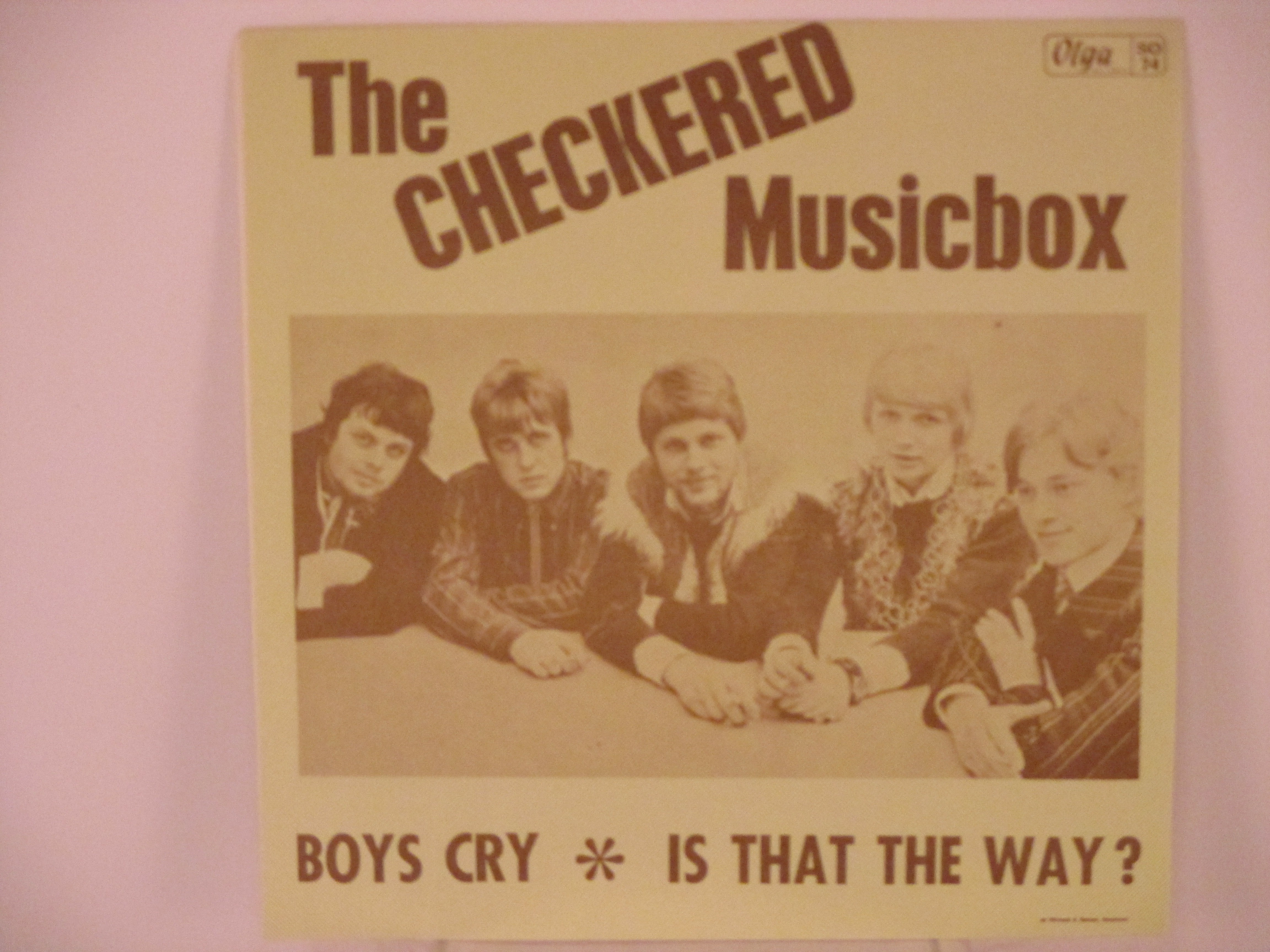 CHECKERED MUSICBOX : Boys cry / Is that the way?