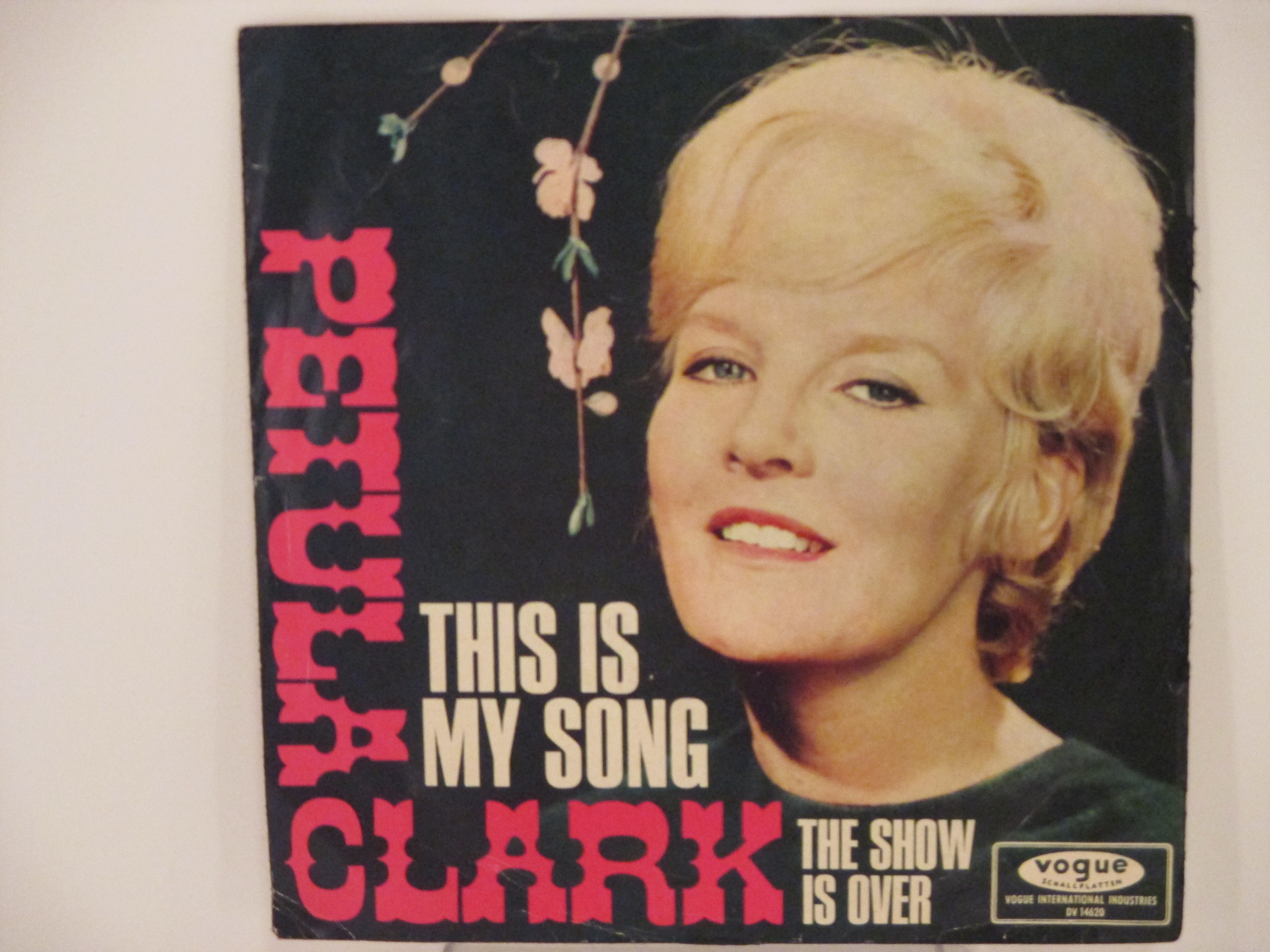 PETULA CLARK : This is my song / The show is over