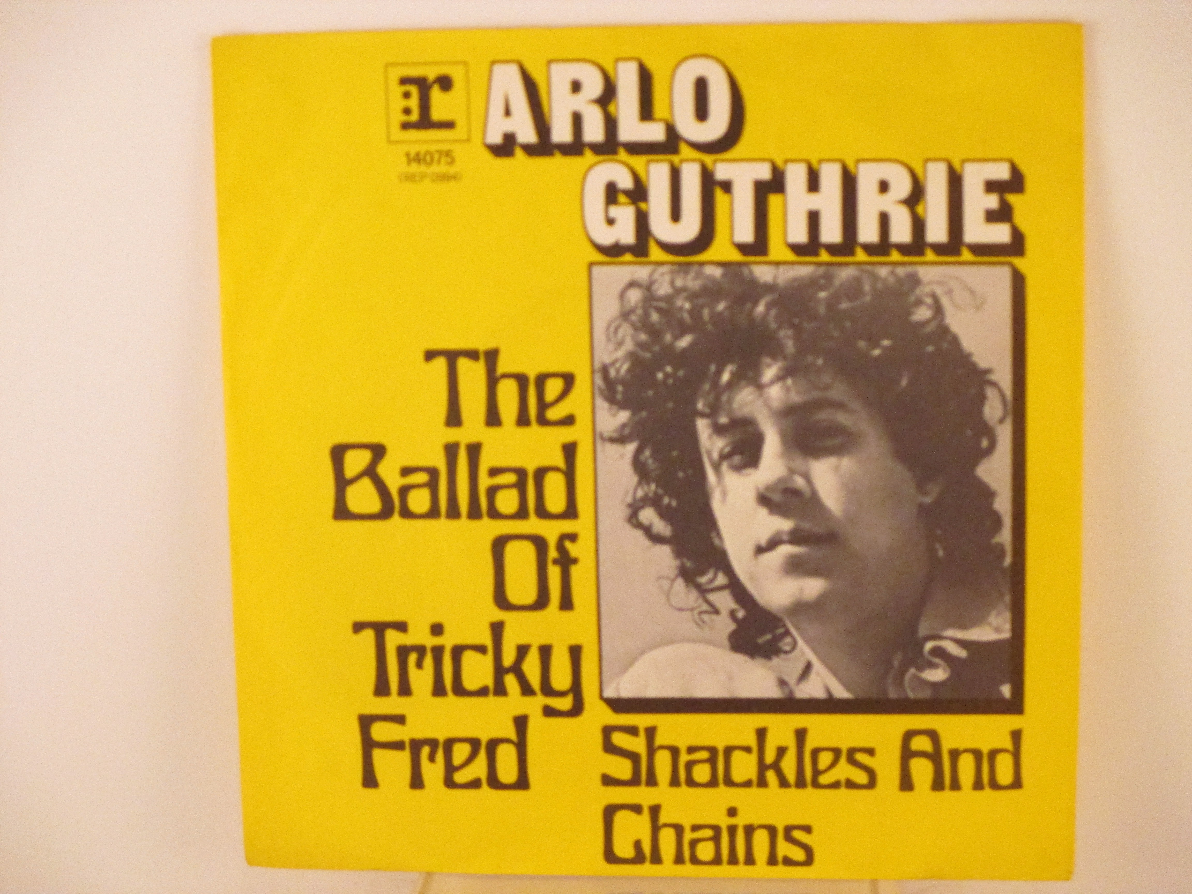 ARLO GUTHRIE & RY COODER : The ballad of tricky Fred / Shackles ands chains