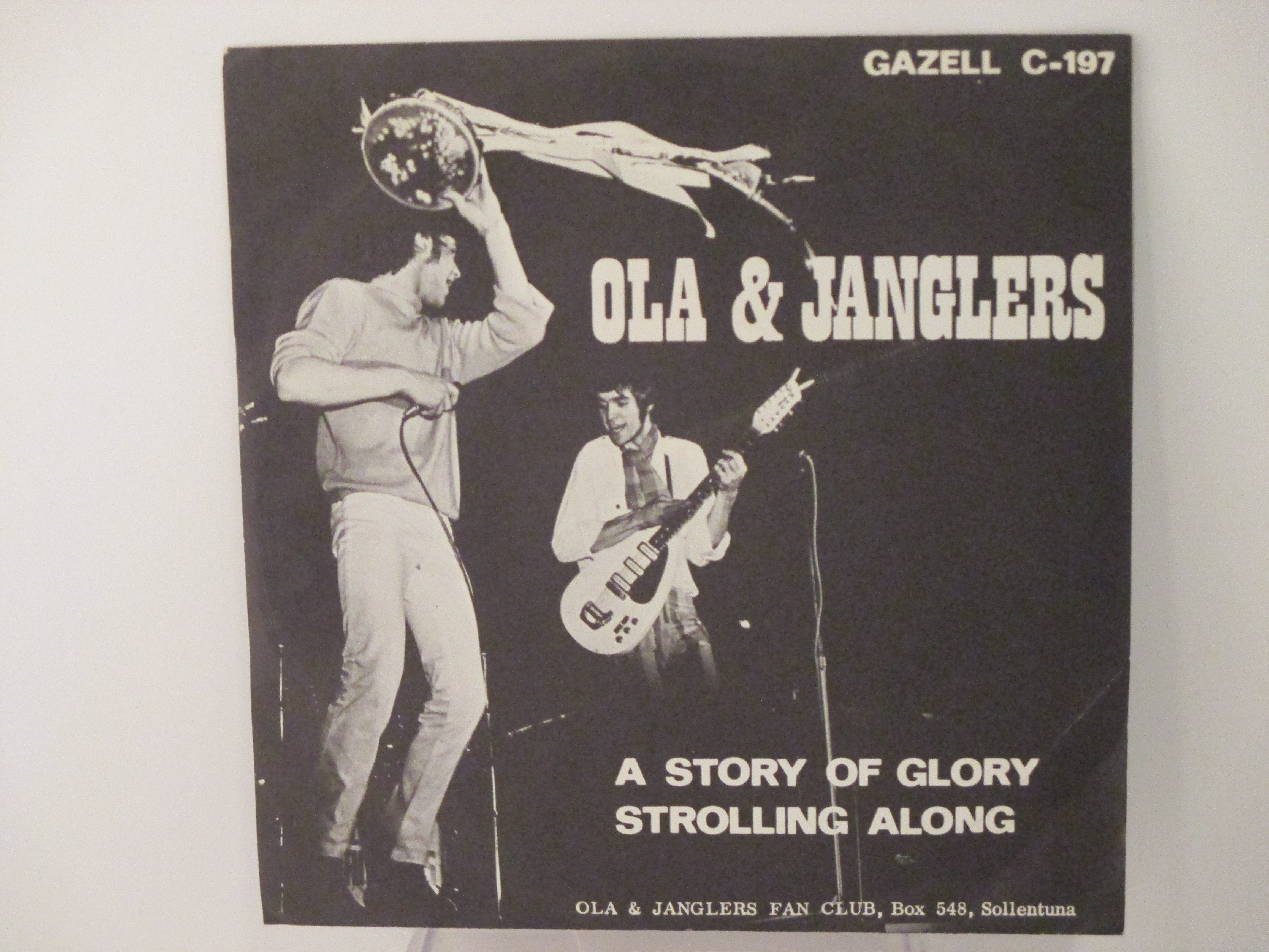 OLA & JANGLERS : Strolling along / A story of glory