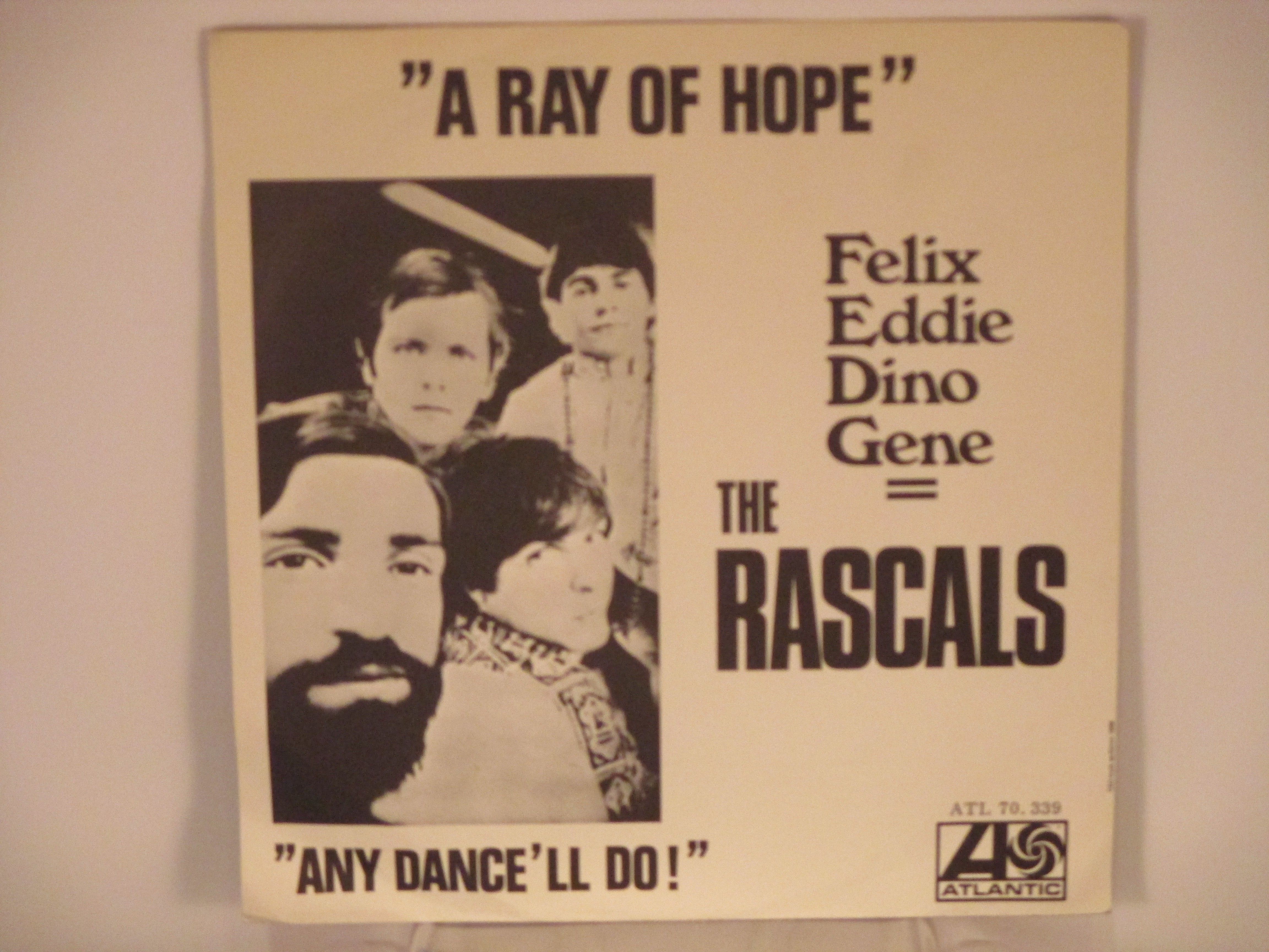 Young  -  RASCALS : A ray of hope / Any dance'll do!