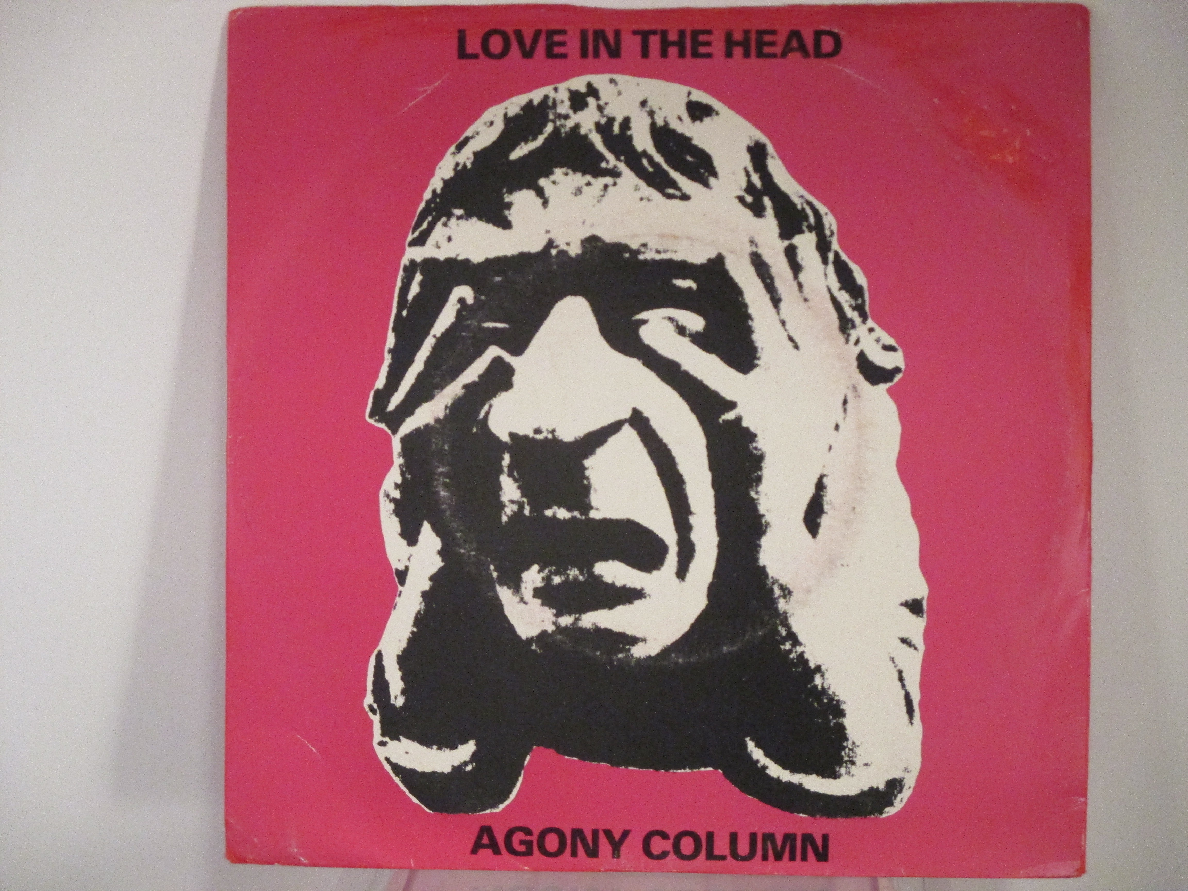 AGONY COLUMN : Love in the head / Free of love