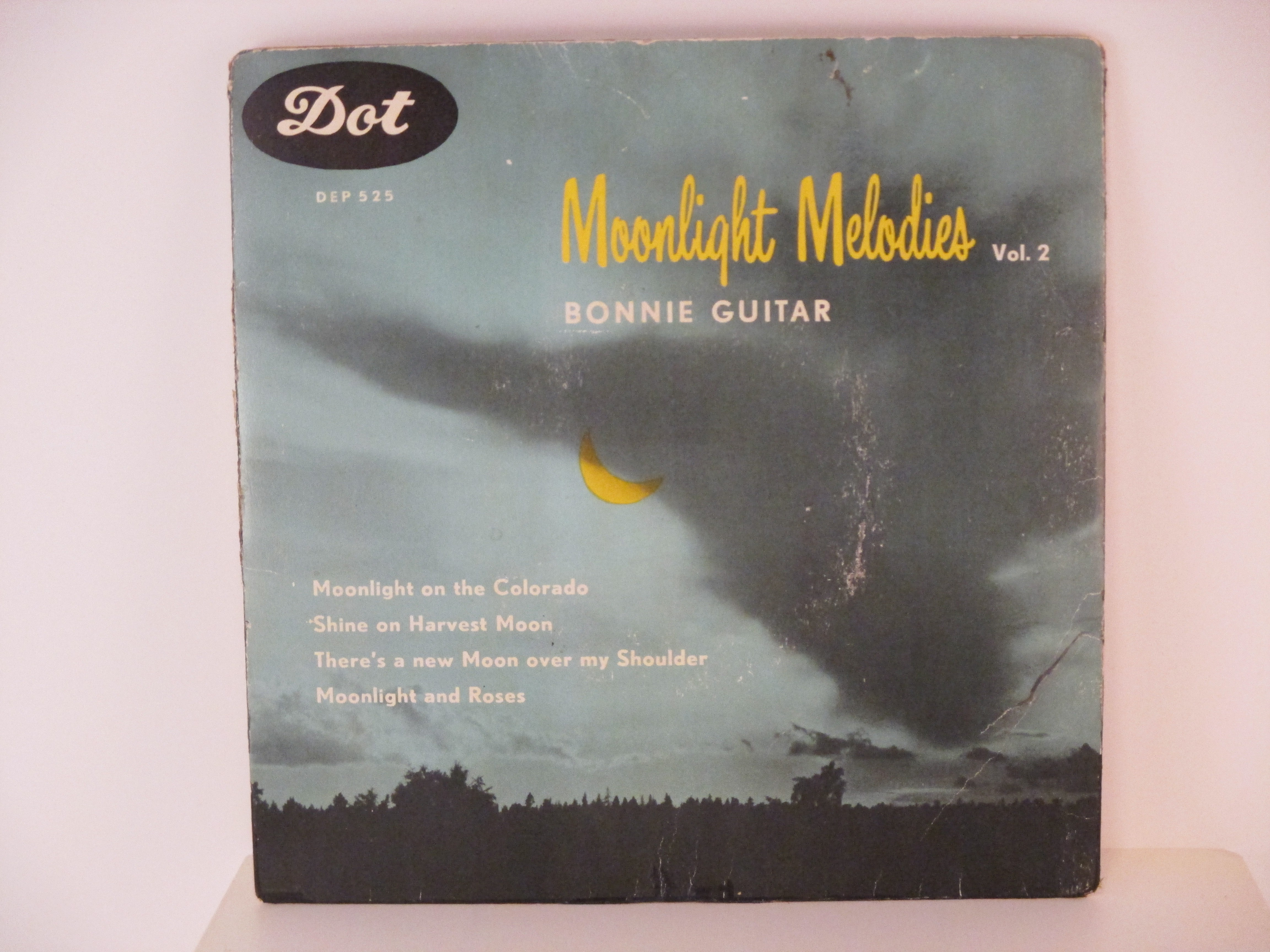 BONNIE GUITAR : (EP) Moonlight on the Colorado / Shine on harvest moon / There's a new moon over my shoulder / Moonlight and roses