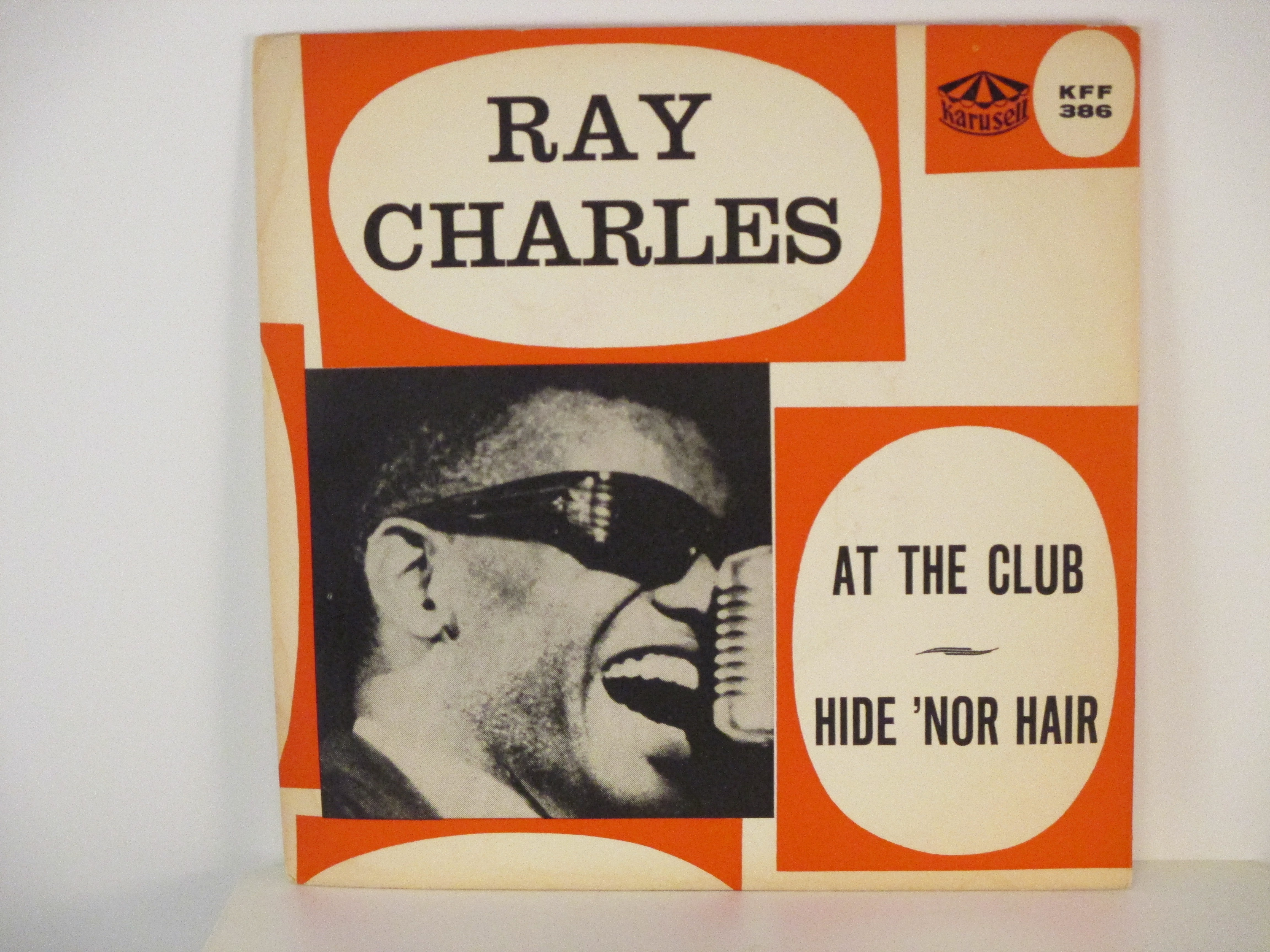 RAY CHARLES : Hide 'nor hair / At the club