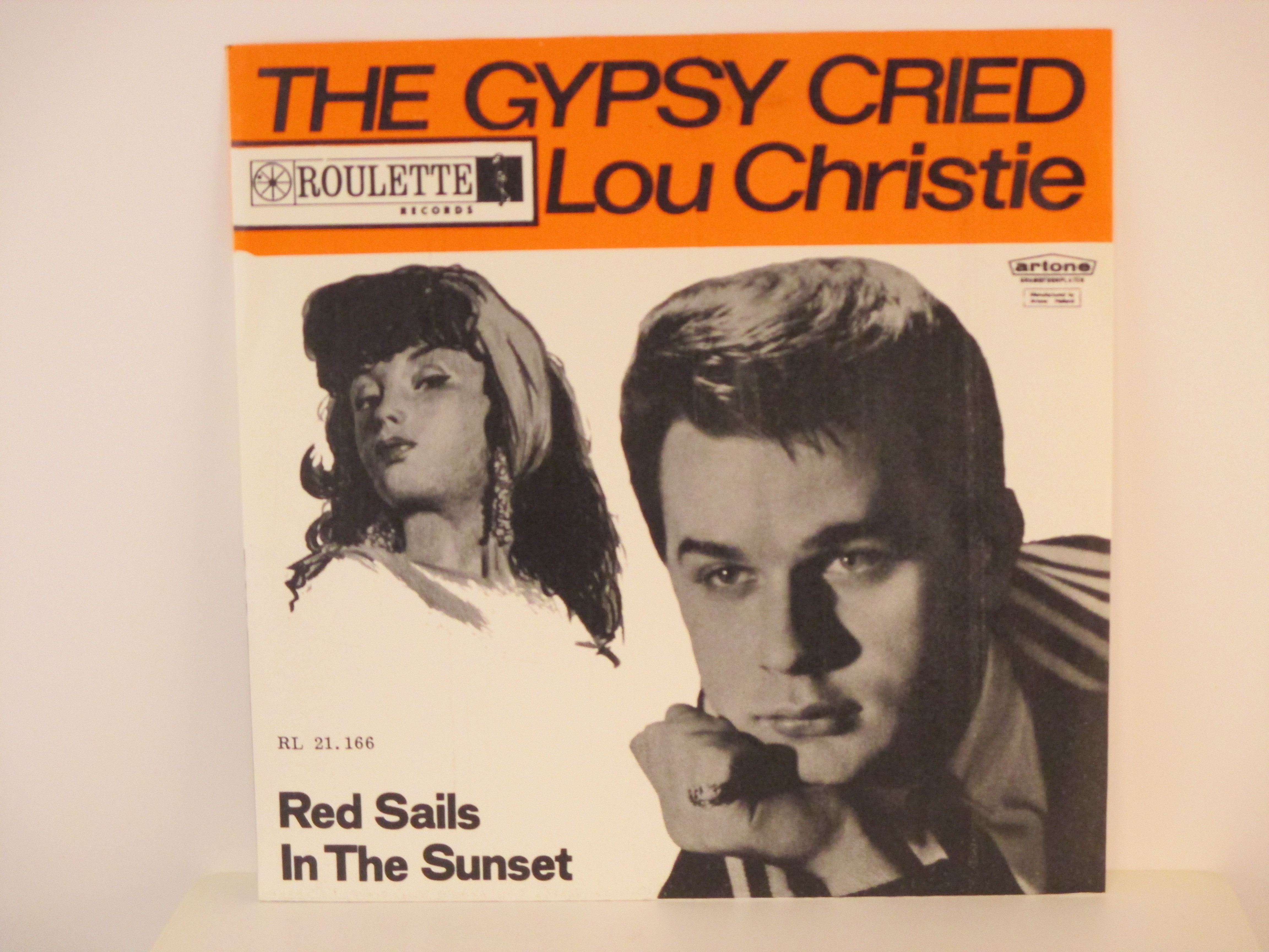 LOU CHRISTIE : The Gypsy cried / Red sails in the sunset