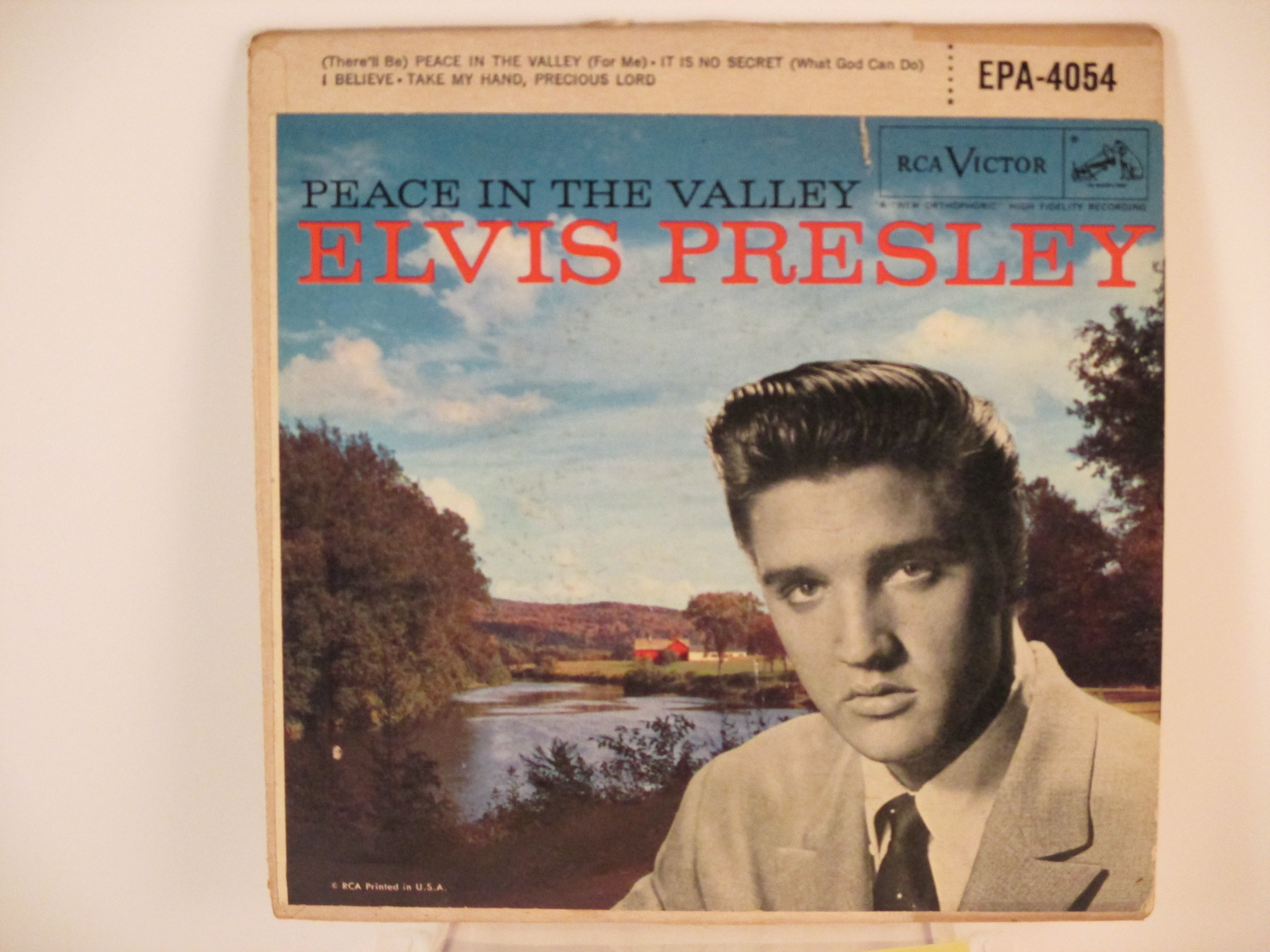 "ELVIS PRESLEY : (EP) ""Peace in the valley"" : Title / It is no secret / I believe / Take my hand, precious lord"