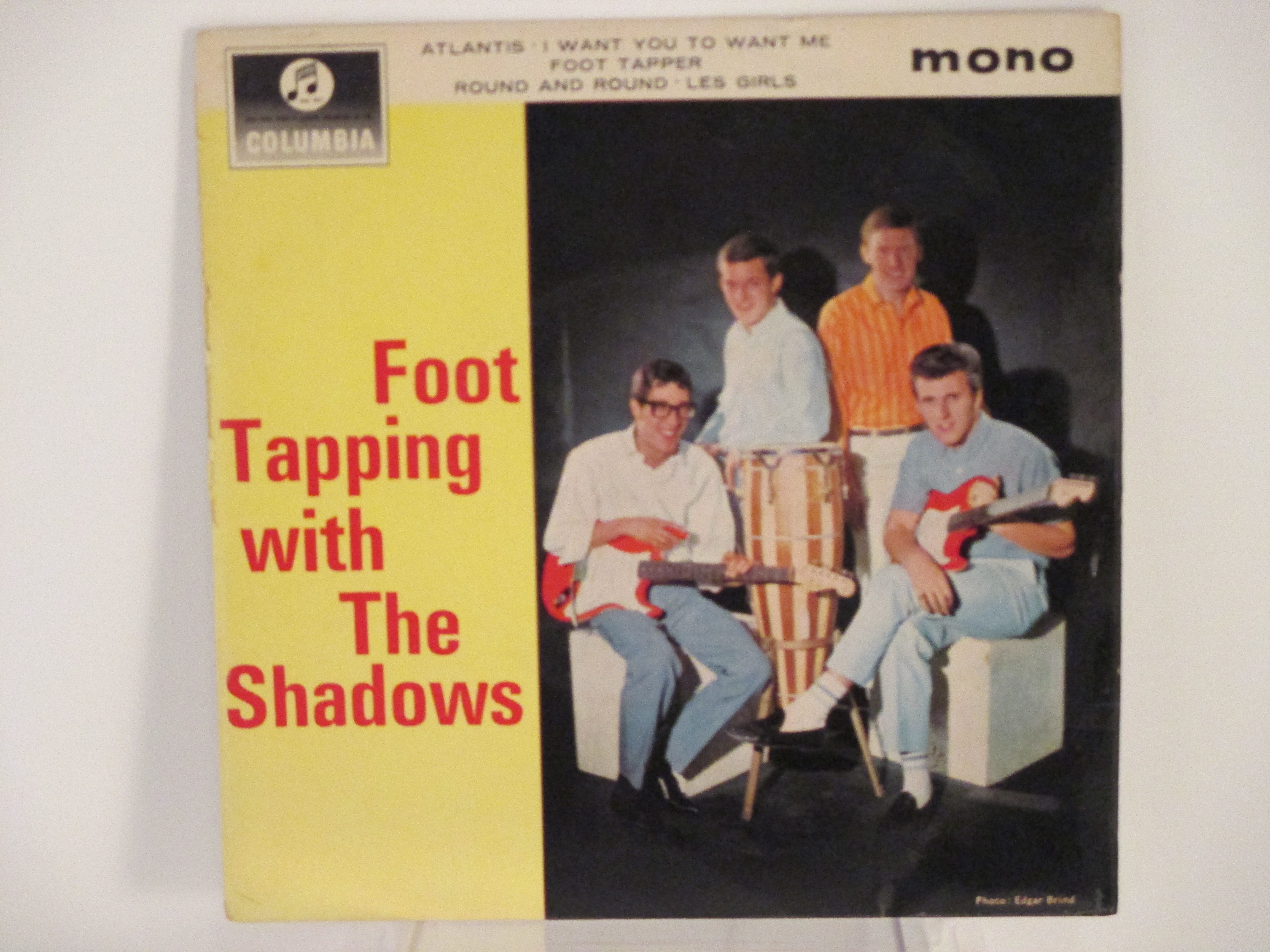 """SHADOWS The  : (EP) """"Foot tapping with the Shadows"""" : Atlantis / I want you to want me / Foot tapper / Round and round / Les girls"""
