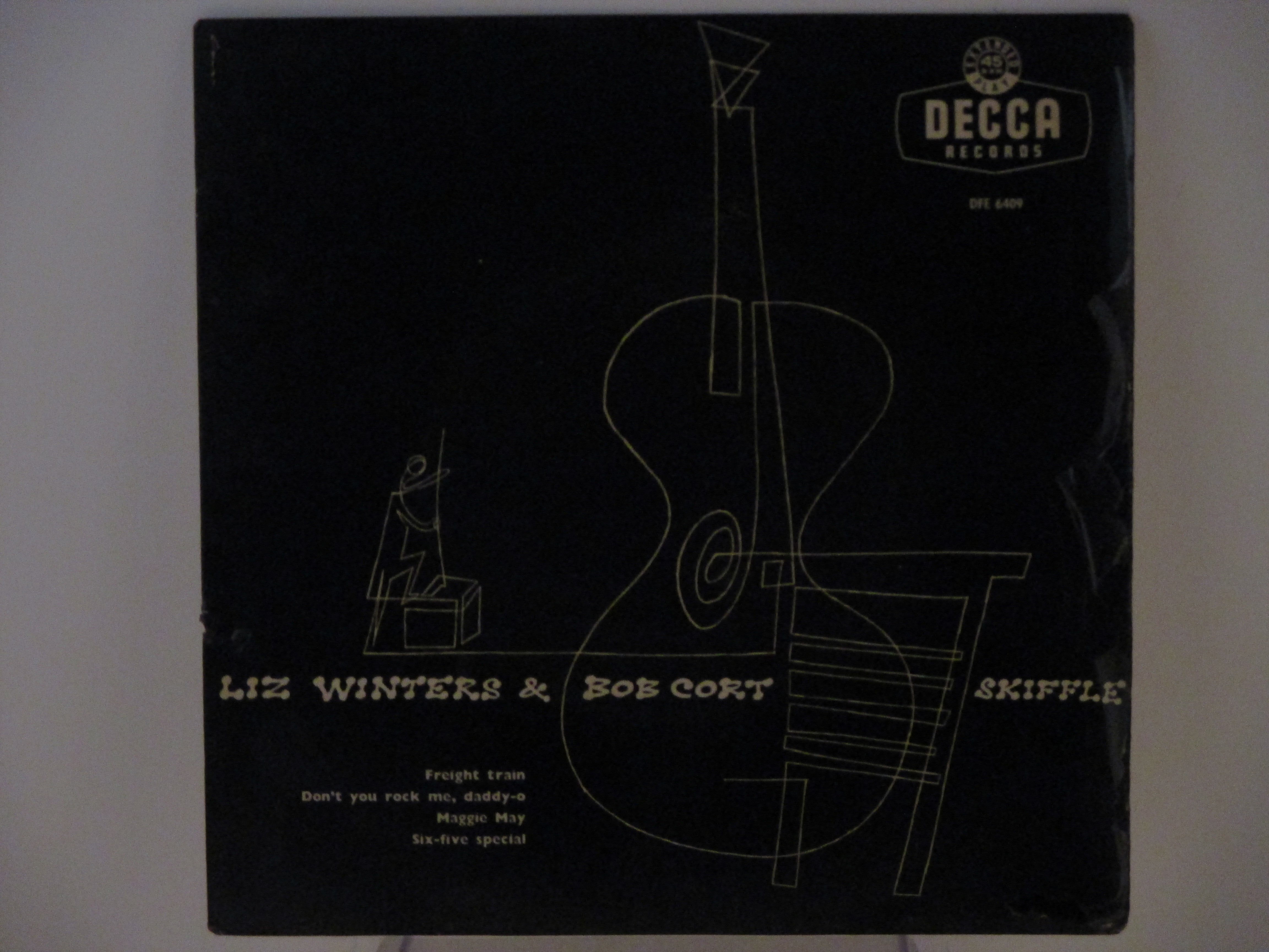 LIZ WINTER & BOB CORT SKIFFLE GROUP : (EP) Freight train / Don't you rock me daddy-o / Maggie May / Six-five special