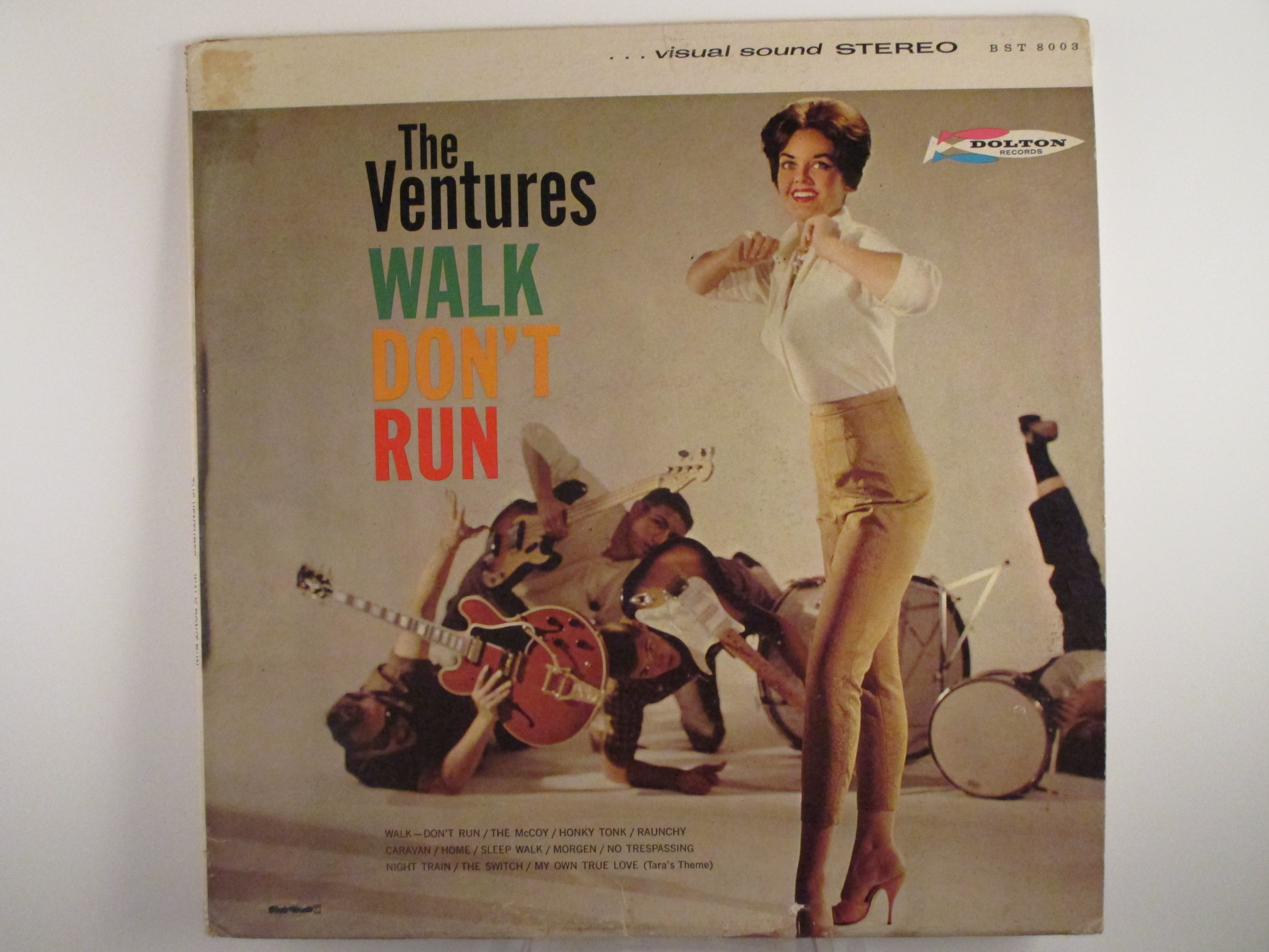 "VENTURES : ""Walk don't run"""