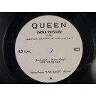 QUEEN : Under pressure / Medley: We will rock you / Friends will be friends / We are the champions